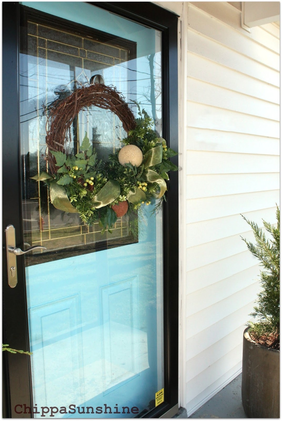 How to Hang A Wreath On A Storm Door