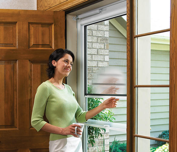 LARSON Launches Worldu0027s 1st Retractable Screen Storm Door